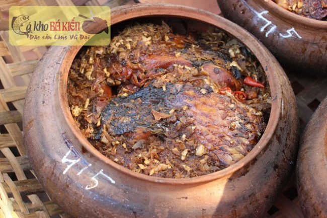 Thưởng thức món ăn cá kho làng Vũ Đại