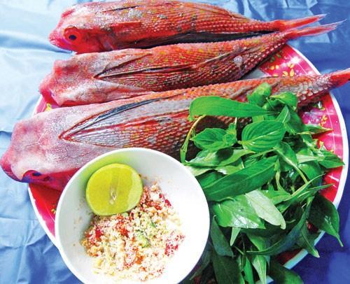 tắc kè biển nướng chấm muối ớt