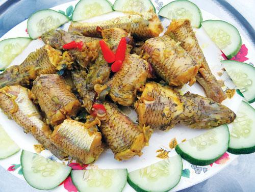 Đậm đà món cá mòi kho